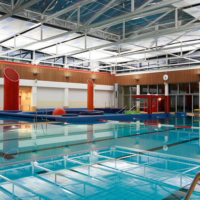 Sportbecken der Friesentherme Emden
