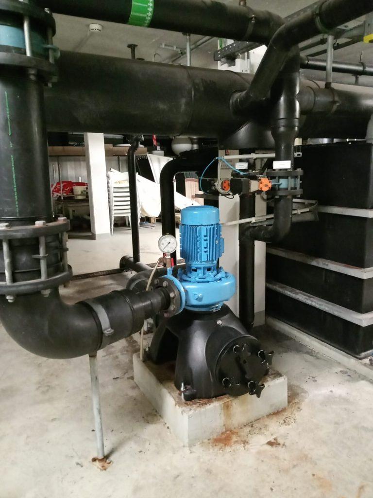 Der Wechsel erfolgt an zwei Pumpen