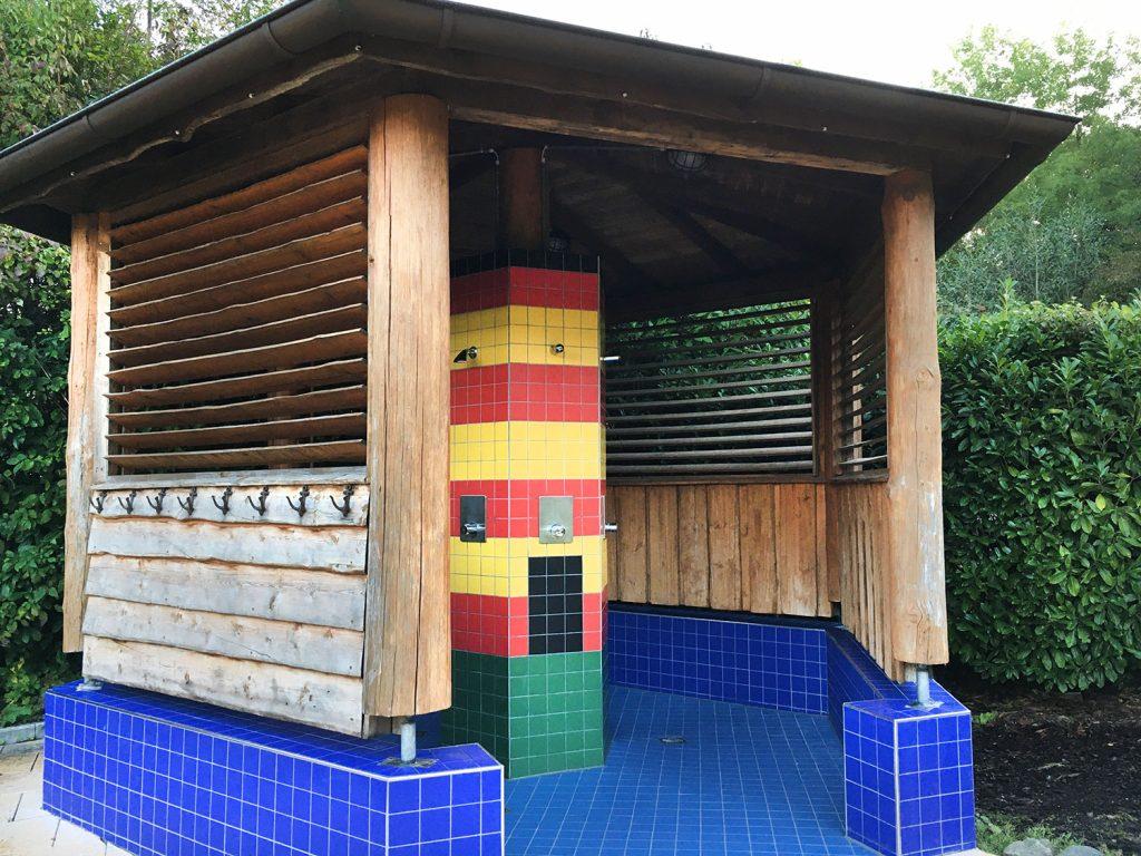 Unser Duschpavillon wird zum Pilsumer Leuchtturm