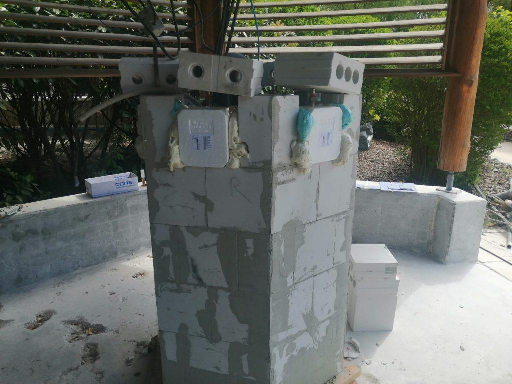 Am duschpavillon werden die Armaturen eingebaut